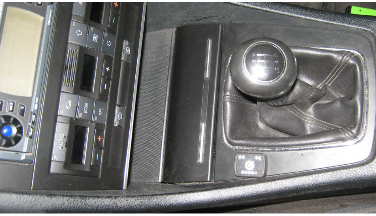 Ауди А4  1,6 2002